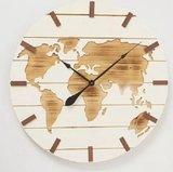Houten Wandklok Wereldkaart met een diameter van maar liefst 74 cm._