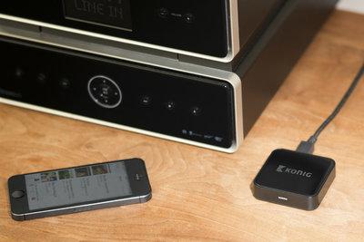 Draadloos streamen van digitale muziek vanaf een tablet of smartphone op een audiosysteem.